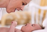 Phát triển ngôn ngữ ở trẻ 0 – 6 tháng tuổi