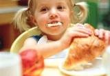 Thực phẩm giết chết trí thông minh của bé